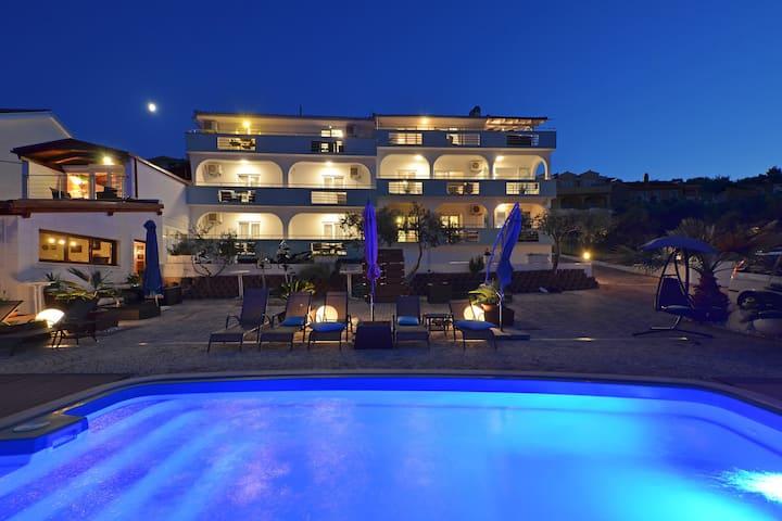 Apartments Silva - Ground Floor Apartment II