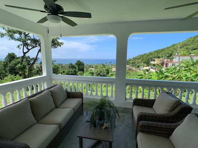 Beautiful Caribbean Beach View Home + Studio