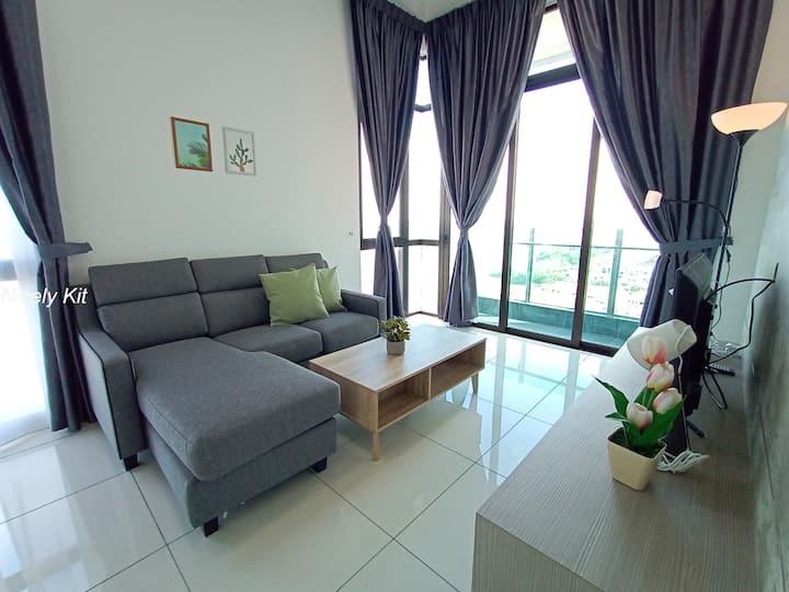 Sea View High End Condo with Golf 2. @ Johor Bahru