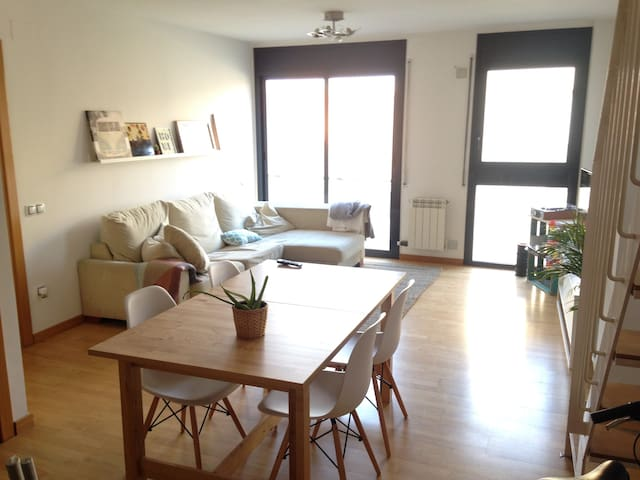 Double bedroom - 40 minutes from Barcelona - Terrassa - Lyxvåning
