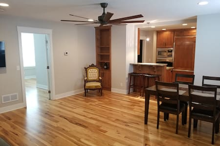 CHARMING 1 BEDROOM HOUSE