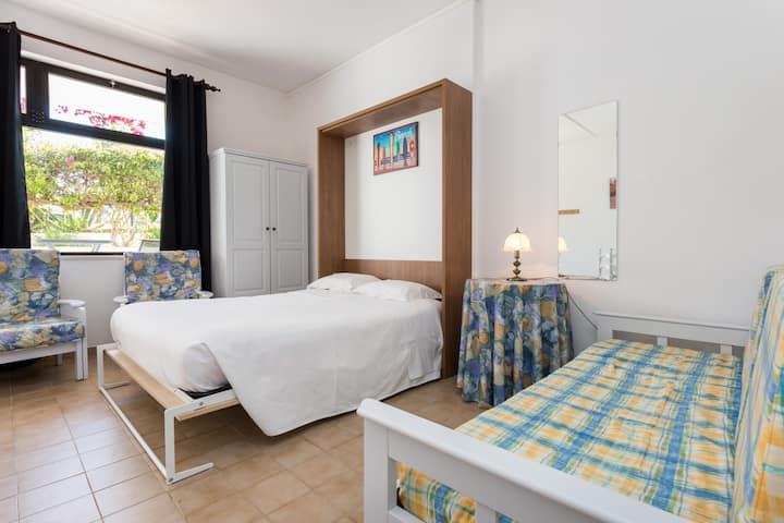 Surf Studios near to the Beach with Swimming Pool.