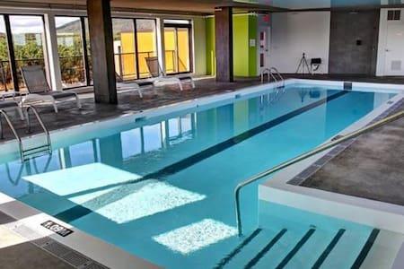 Appartment avec piscine intérieure chauffée - Ville de Québec - Apartemen