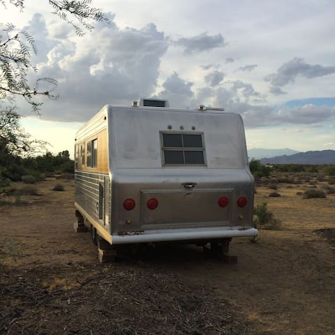 Vintage trailer on working ranch/The Jackrabbit