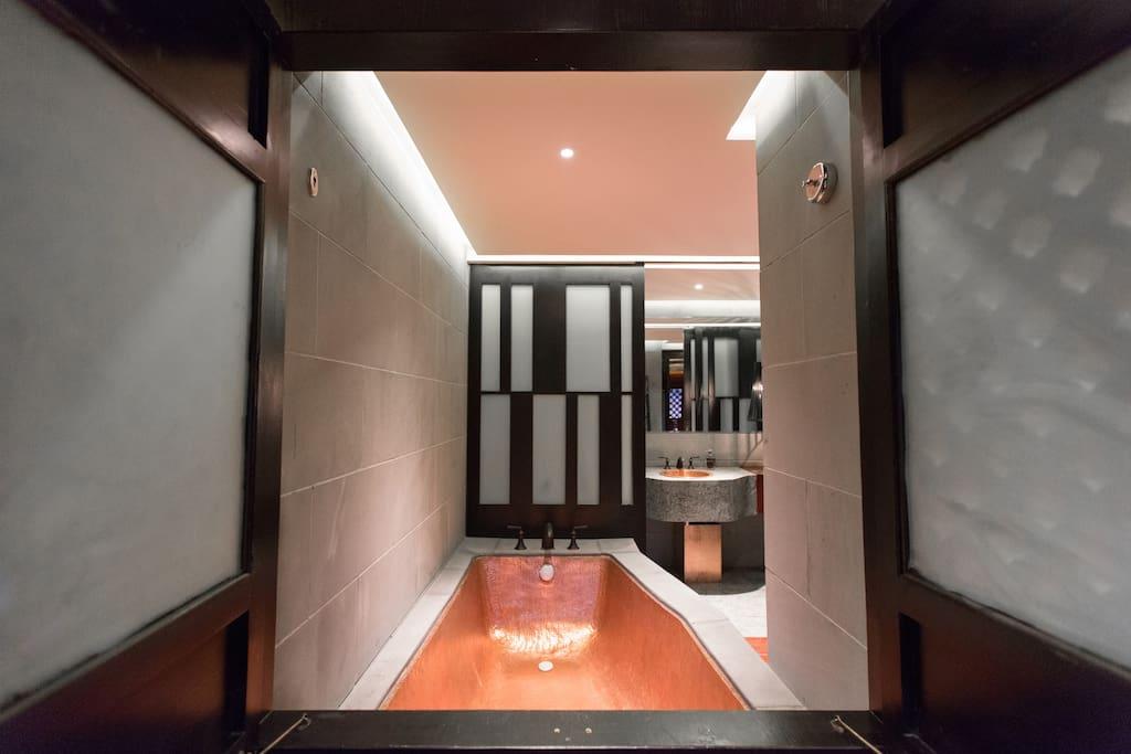 天谷喜院纯手工打造紫铜浴缸