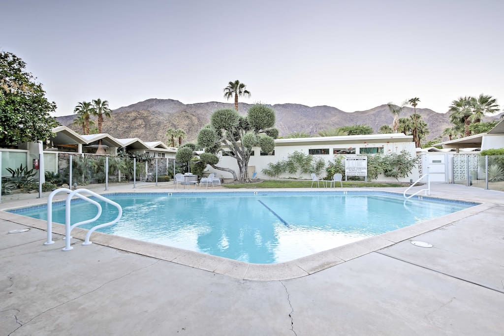 As part of Merito Manor, 6 guests will have access to the quiet community pool  where the breathtaking mountains serve as your backdrop.