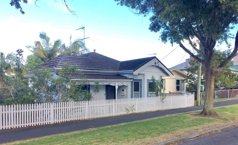 Devonport villa charming & central! - Auckland - Huis