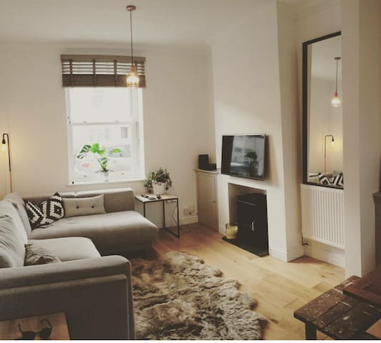 Luxury 2 bed house-Perfect for Champions league - Cardiff
