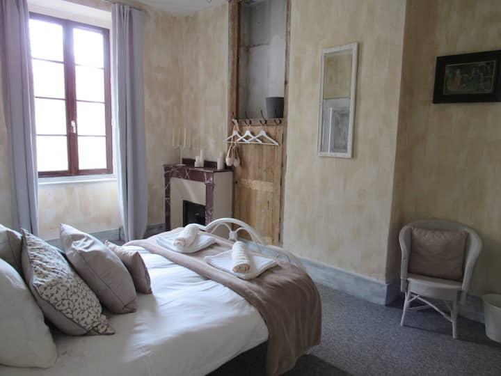 Les Deux Rives Room 5