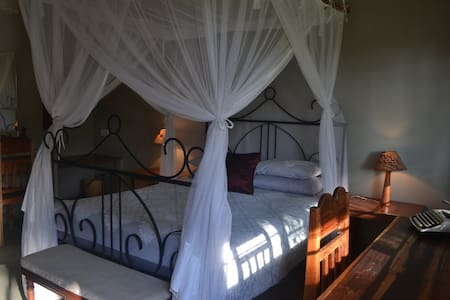 Safara House - Bed & Breakfast