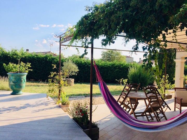 Jolie villa jardin, piscine, proche Uzès et Anduze