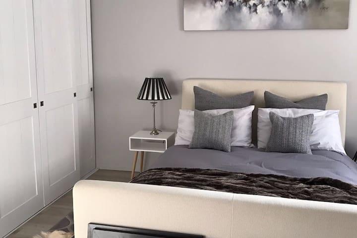 Cosy renovated 2BR, 3 min to Gare - Annemasse - Apartment