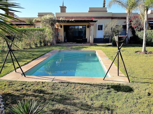 (136) Adorable villa 2 chambres, piscine privée