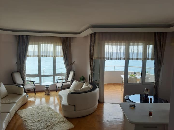 Sea view, beach, pool, furnished 2+1 apartment