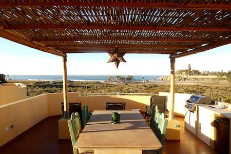 Steps to Cerritos Beach - El Pescadero