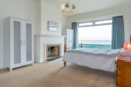 Room with a sea view - Brighton