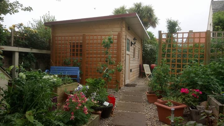 Self catering cabin on Holy Island - sleeps 1-2