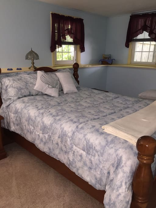 Sleep accommodations with FIOS TV WI FI available Queen bed in room near private bath
