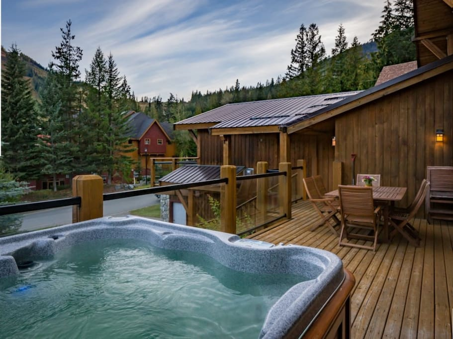 Jacuzzi on the Deck