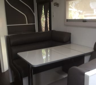Brand new caravan with all modern conveniences. - North Bendigo