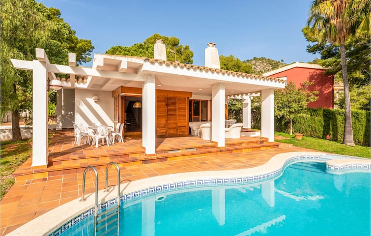 Holiday cottage with 4 bedrooms on 185m² in Benicàssim