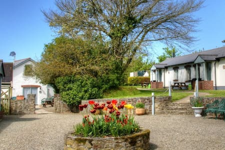 Swallow Cottage, Broomhill Manor - Bude - Rumah