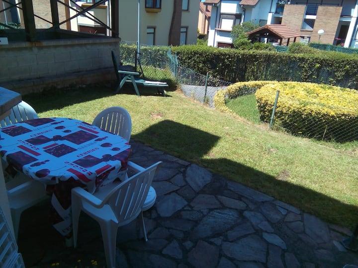 apartamento bajo con jardin privado