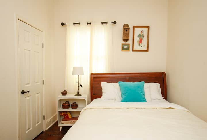 Monthly/Rental Romantic Near French Quarter Room-8