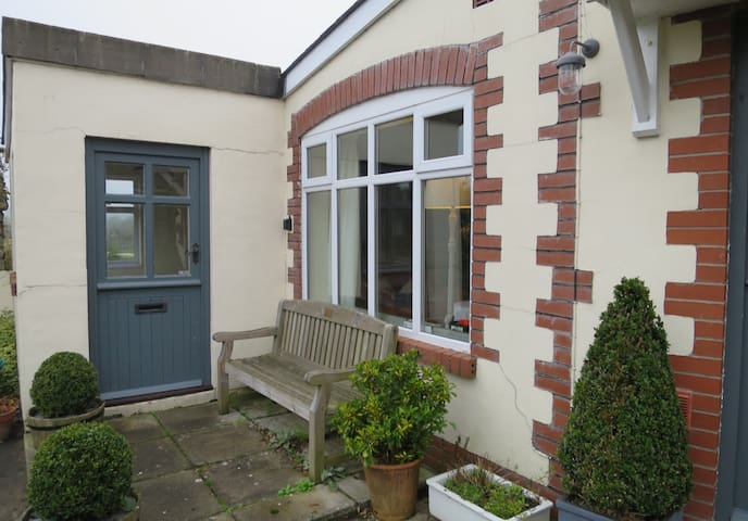 Cosy annex close to the Heritage Coast - Vale of Glamorgan - Haus