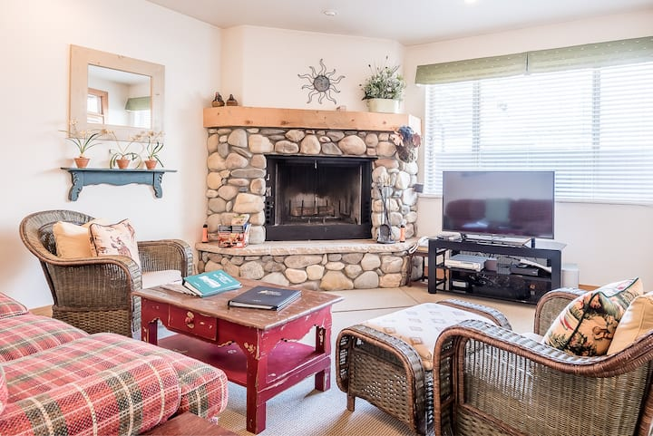 Condo on Trail Creek - Walk to Downtown and Ski Lifts  | 2 Bedroom, 2 Bathroom