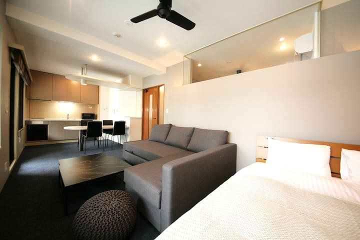☆NEW HOTEL_A 4minute walk to Nakasu and Yatai【8-F】