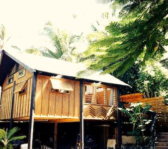 'Are Pou' // THE POLE HOUSE - NUKUPURE, MURI