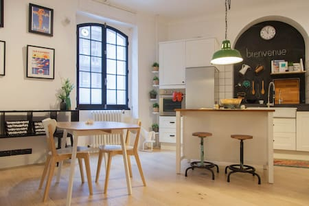 Centrally located loft by the SEA - Antibes - Huoneisto