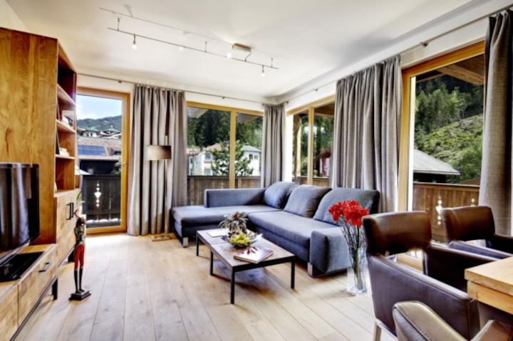 Luxe appartement in centrum tegenover ski-gondel!