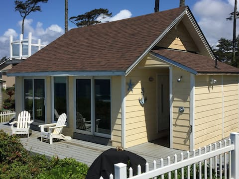 Oceanfront in Newport! Peaceful and pet friendly.