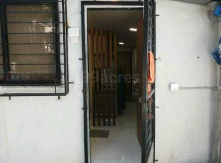 Studio apartment in Private Bunglow @ khar 10th RD