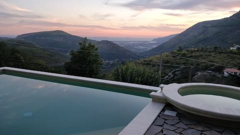Panoramic villa with large pool spaces