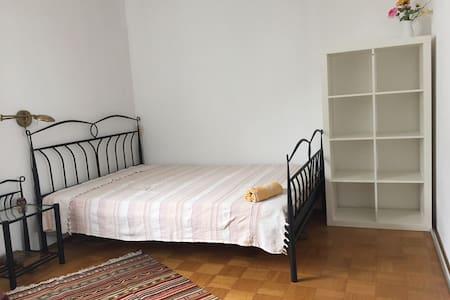 Gemütlich & idyllisch nahe Donau - Apartament