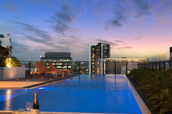 Rooftop pool that will sure amaze.