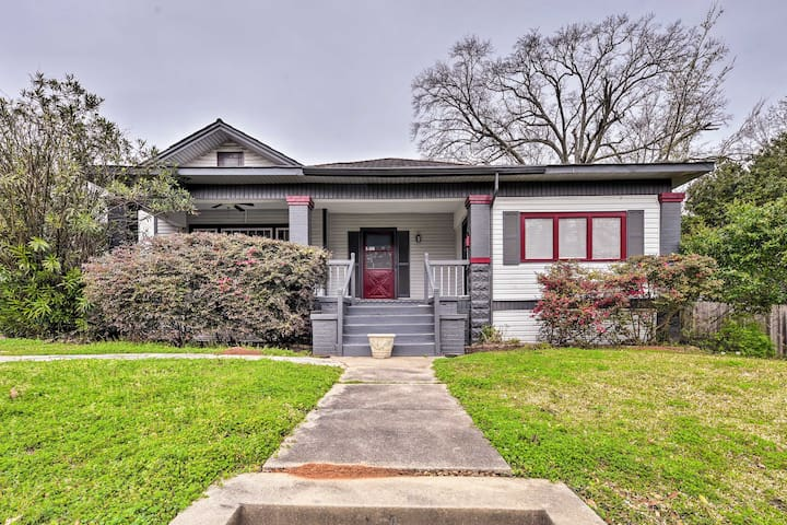 NEW! Shreveport Home w/ Yard - 2 Mi to Downtown!