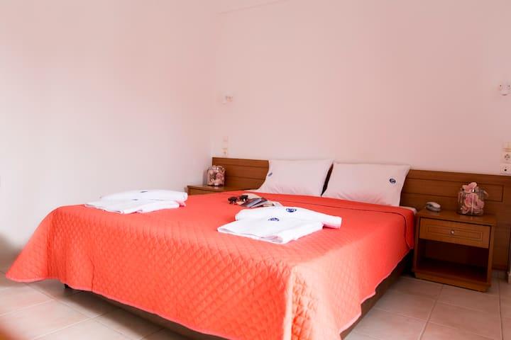 Διαμερίσματα εντος ξενοδοχείου στην Αμμουδάρα