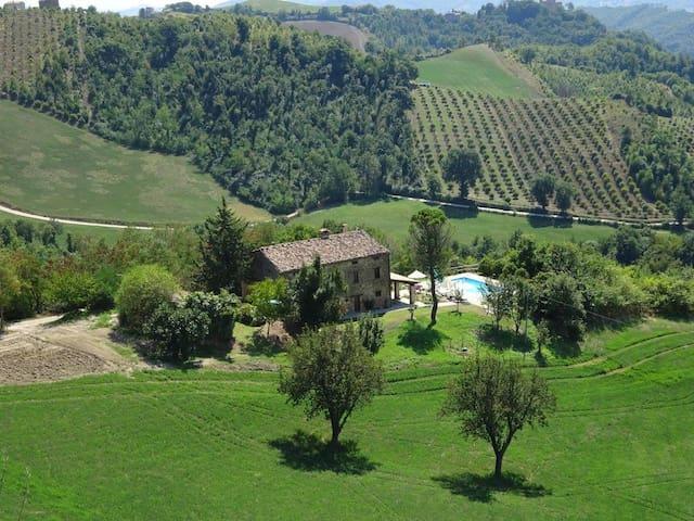 Ca La Piera, Pesaro e Urbino, tranquil manor house - Casa de camp