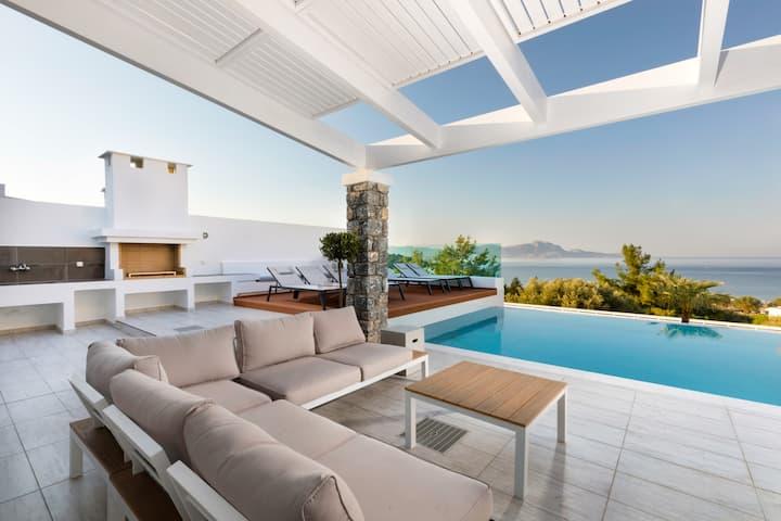 Villa Estella with priv. pool & jacuzzi in Lindos