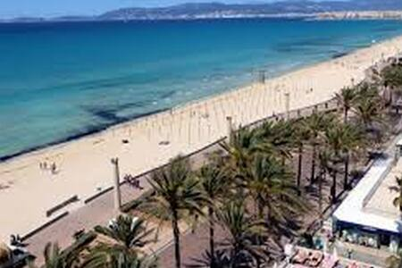 Bed and breakfast Playa de Palma Wi-Fi + Netflix