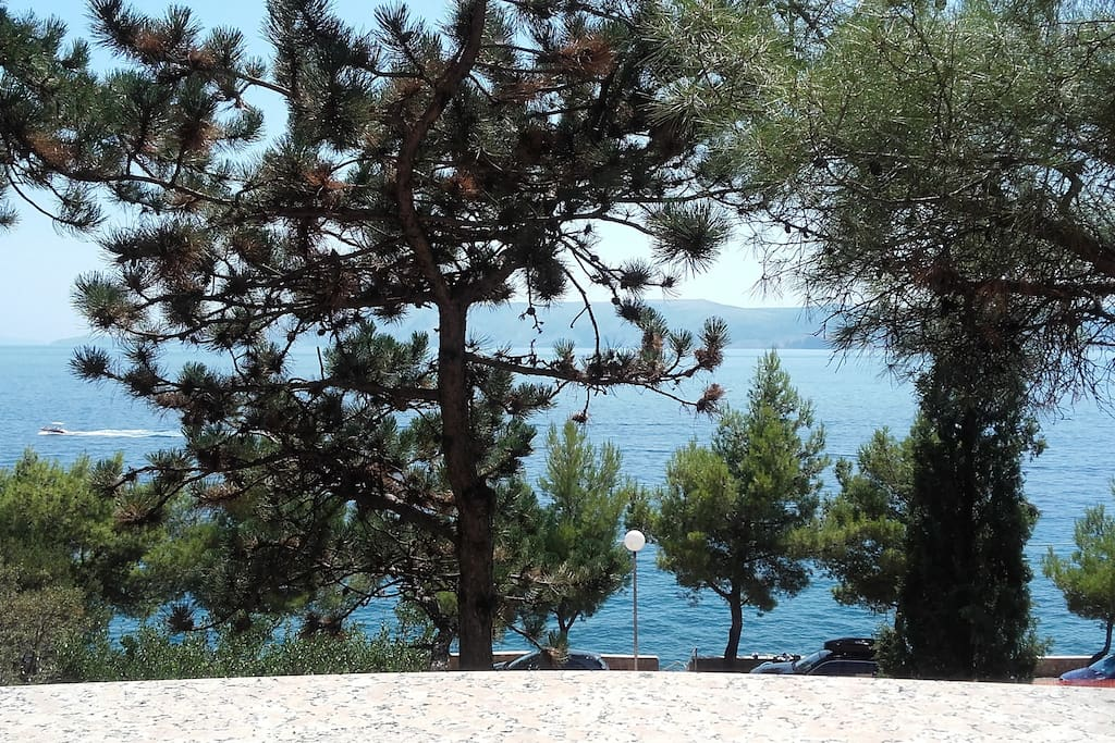 a glance at the sea from the terace