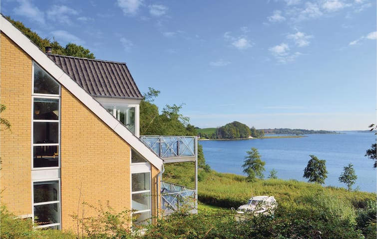 Holiday cottage with 3 bedrooms on 129m² in Kruså