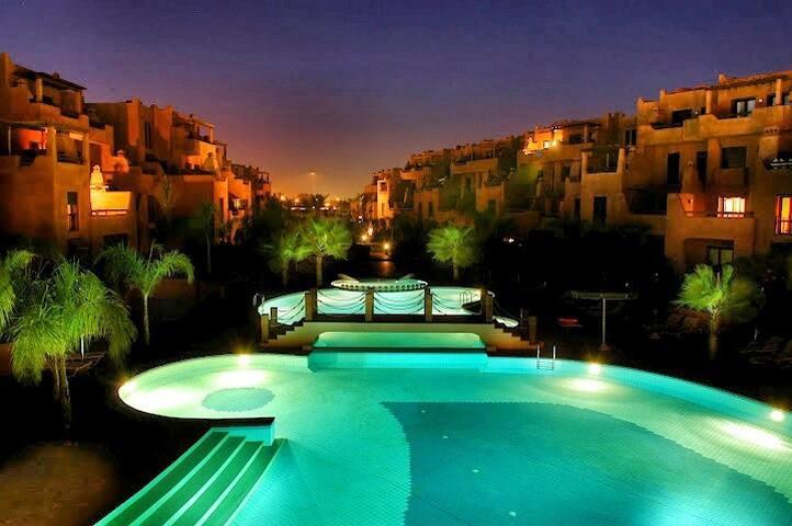 Appt 3 pi ces r sidence s curis e avec piscine for Airbnb marrakech