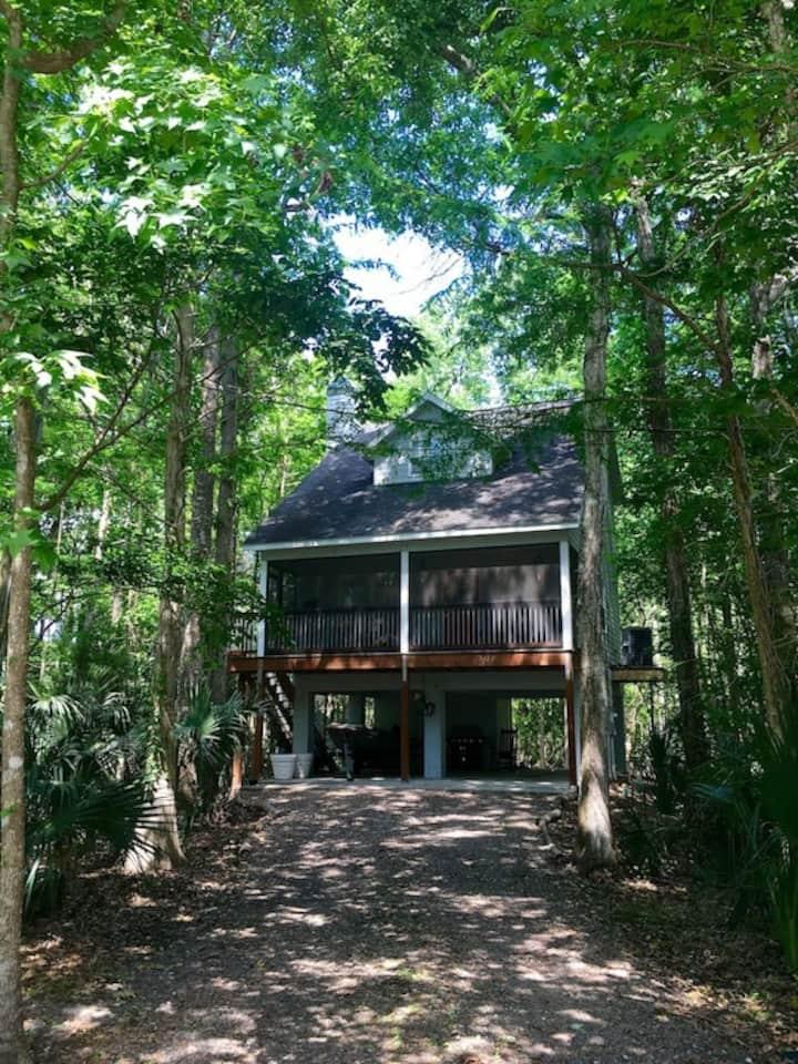 Weeki Wachee Retreat.a place to enjoy & relax