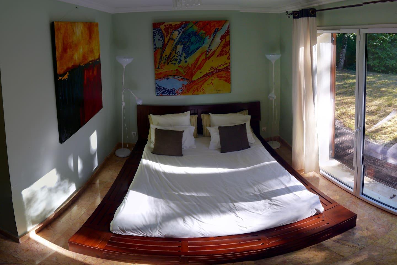la chambre - the bedroom
