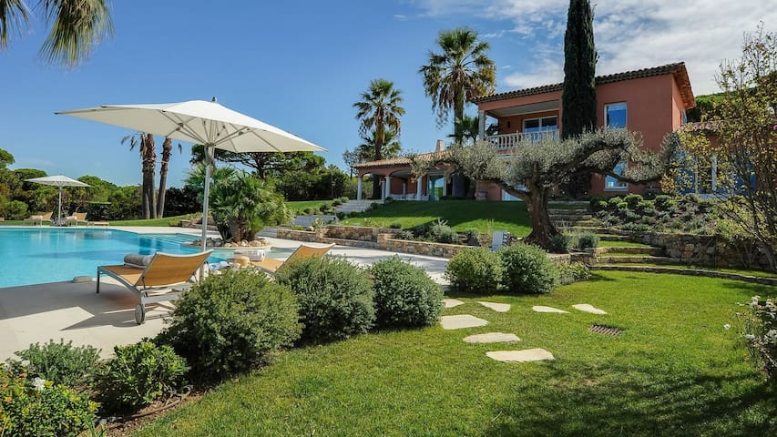 Elegant and Classy Home, Greenery and Pool